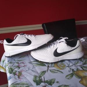Nike Explorer 2 Golf Shoes White Black Size 7